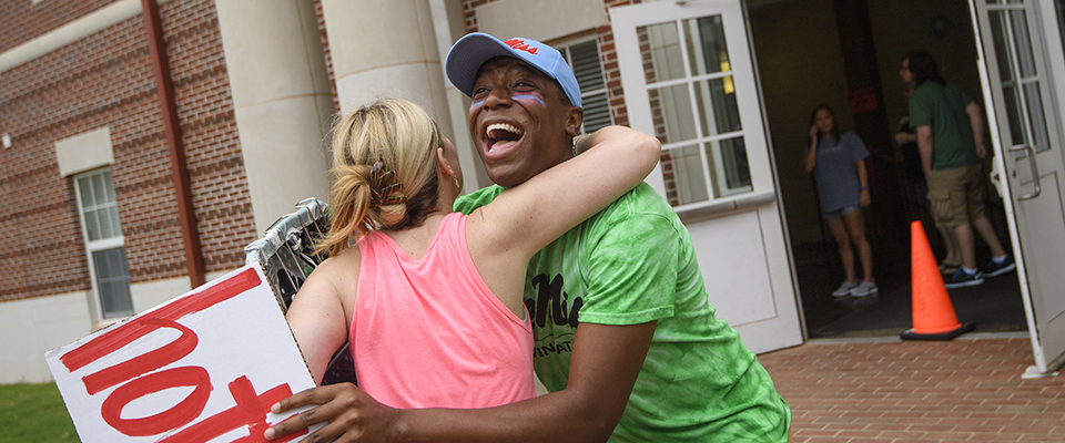 Ole Miss move-in 2016. Photo by Thomas Graning/Ole Miss Communications